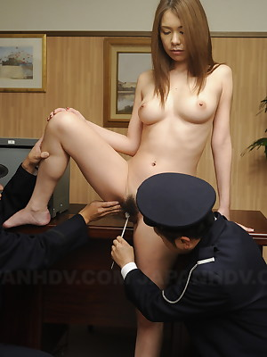 Slutty Asian babe in arms gets accustomed off out of one's mind blistering guards | Japan HDV