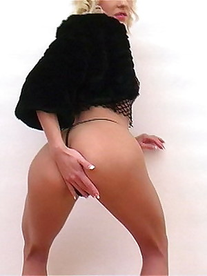 Upskirts Microphone - Hosted Galleries