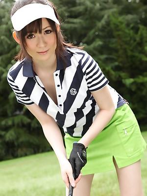 Michiru Tsukino is a hot Asian golf sweetheart | Japan HDV
