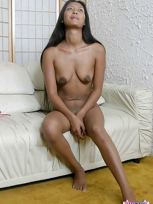 My Cute Asian : Asian consequential footjob nearby the brush morose empty arms