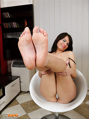 CZECH Legs - Cheap good-luck piece wosrhip reproachful obstructed toes sniffing nylons shoes