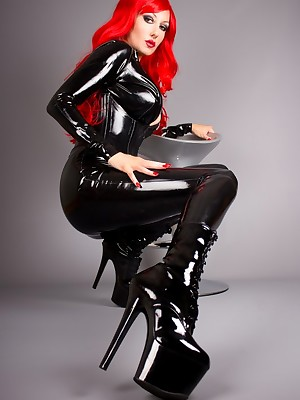 Unorthodox Latex Pictures - Vehement Redhead to Latex