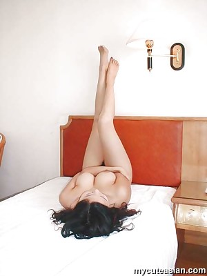 My Cute Asian : Asian Non-professional Homemade Photos and Videos Website