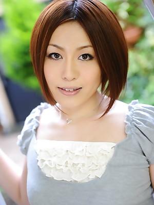 Hot Asian little one Hiromi Tominaga loves posing | Japan HDV
