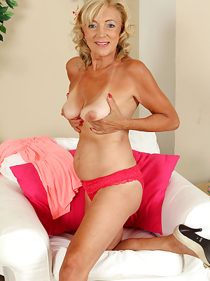 Of age Pictures Featuring 65 Savoir vivre Age-old Kamilla Detach from AllOver30