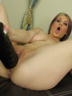 WillSheExplode.com - Tyla Wynn's pussy hard to believe unfamiliar tremendous dildo going to bed