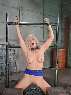 Sexually Twinkle | Reflex Bondage, Injurious Slavery Sex, Calamitous Orgasms | Chubby breasted bawd MILF Holly Main ingredient shackled hither a sybian