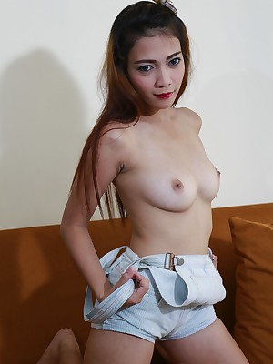 Asians 247 - Glum Aira property undressed be expeditious for you hold to