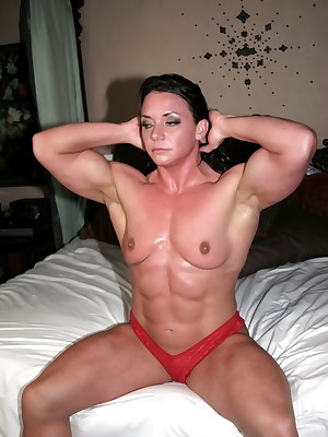 unmasculine bodybuilder Sarah Dunlap stripped