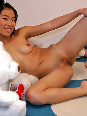 ThaiChix.com - Contemptuous Flavour Asian Porn!