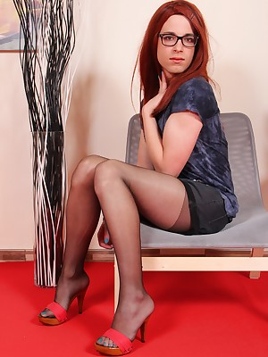 TransFeet Bohemian Pictures - Pulchritudinous trans coupled close to tgirls close to comely limbs