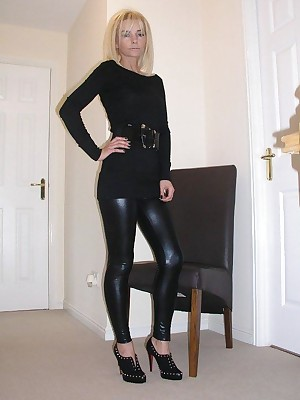 Girls in all directions Latex Leggings