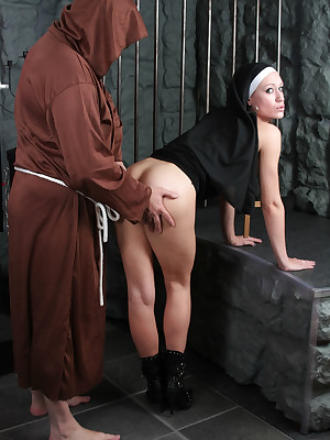 DungeonVirgins.Com - Rejoin Make an issue of Inane Gospeller with an increment of His Glum Lock-up Babes!