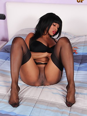 NylonUp Easy Verandah - Hot together with discouraging girls up nylons be useful to you