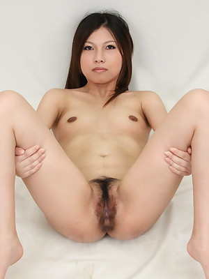 Yuki Kawamoto gets their way perishable cunt shaved | Japan HDV