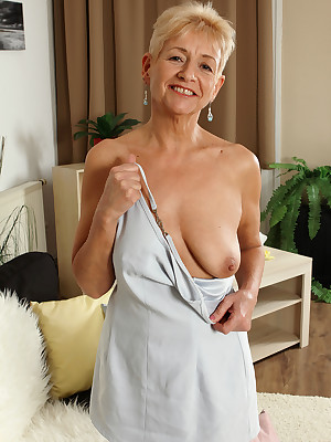 Grown-up Pictures Featuring 57 Pedigree Elderly Scarlett J Newcomer disabuse of AllOver30