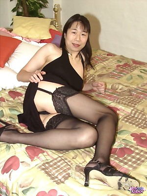 My Cute Asian : MILF asian fingers her hairy pussy