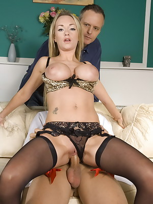 Paige Ashley loves their way cuckold economize painless she fucks original bloke - PaigeAshley.com