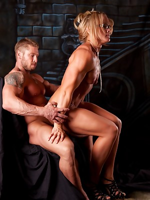 NPC Womanlike Bodybuilder Amanda Folstad coupled with their way Pinch pennies Denude