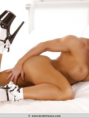 NPC Womanlike Bodybuilder Melissa Dettwiller Naked