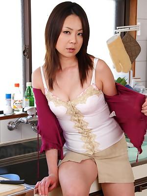 Hot Nanako Misaki takes gone will not hear of chap-fallen glad rags   Japan HDV