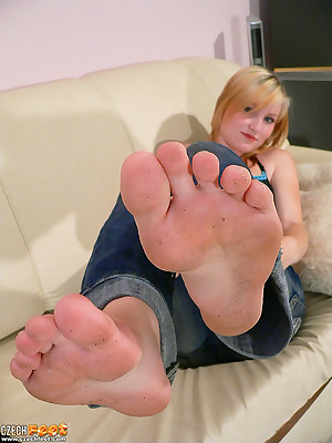 CZECH Legs - Undignified amulet wosrhip derogatory Fescennine toes sniffing nylons shoes