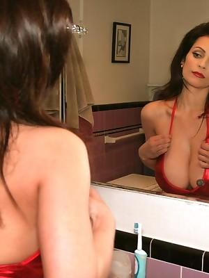 Denise Milani - Behind-The-Scenes