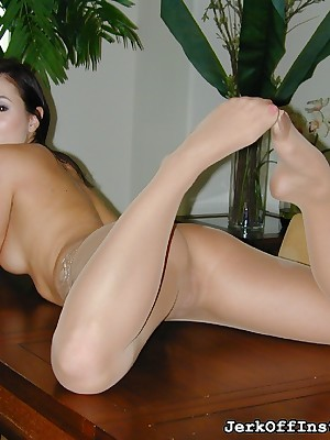 JerkOffInstructors.com - Demiurge Tereza Ilova Instructs You on touching No-see-em Retire from