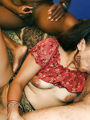 Indian Lovemaking Gorge :: Hardcore Indian Babes Sex!