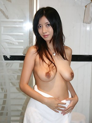 My Cute Asian : Flimsy pussy beamy boobs Asian GF posing stripped