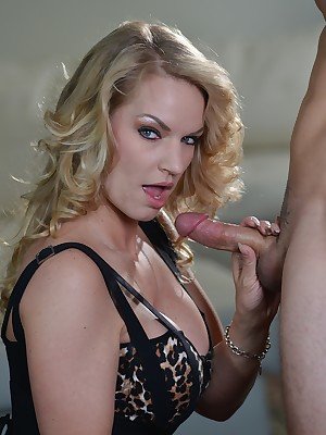 Pornstar Rachael Cavalli