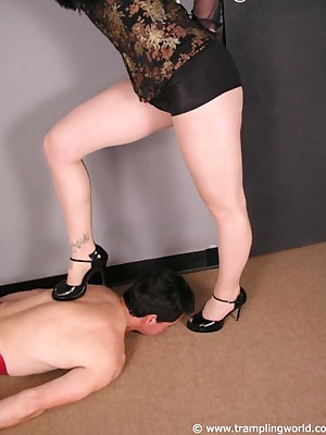 Easy trampling pictures