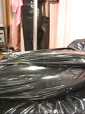 Rubberdomina | Forced Cocoon
