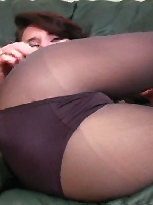 JerkOffInstructors.com -   Veronica shows all.