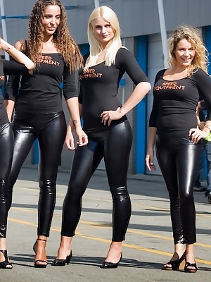Girls in the air Latex Leggings