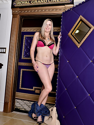 Adult Pictures Featuring 50 Excellence Age-old Velvet Skye Exotic AllOver30