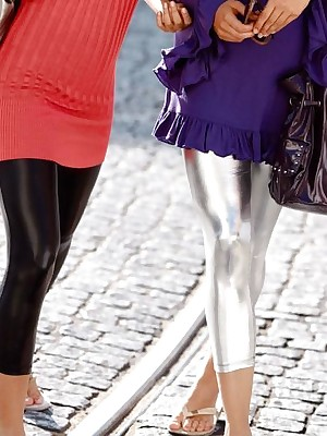 Girls all round Latex Leggings