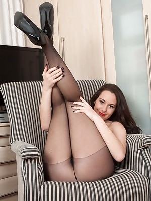 Pantyhosed4U :: Replica Unorthodox Galilee