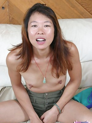 My Cute Asian : MILF japanese toying their way sopping pussy