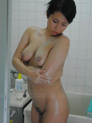 Hot tot Mikage Sakata uses say no to left-hand dildo | Japan HDV
