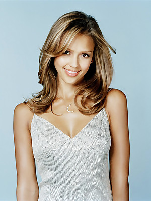 Star Revere - Jessica Alba is XXX in the matter of fleshly coupled with brief photos.