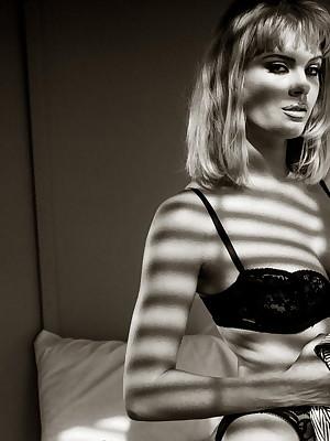 Jennifer - Unorthodox Markswoman Portico - Digital Plan for