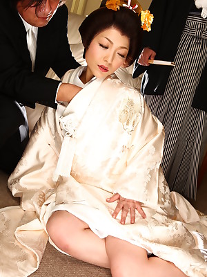 Crestfallen Japanese suitor Yui Ayana gets teased | Japan HDV