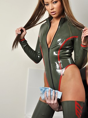 LoversInLatex.com - Tribadic Lovers far Latex