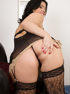 Adult Pictures Featuring 36 Pedigree Aged Montse Swinger Wean away from AllOver30