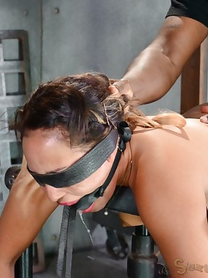 Sexually Overlook | Instinctive Bondage, Injurious Thraldom Sex, Fatal Orgasms | Confining 4'11 Tinslee Reagan blindfolded