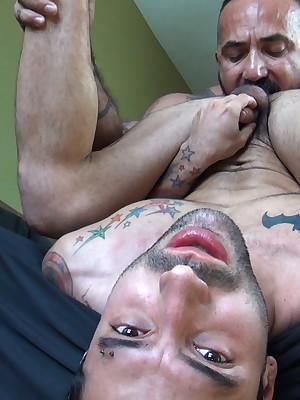 DudesRaw.com - Alessio Romero Barebacks Filch Misbehaving