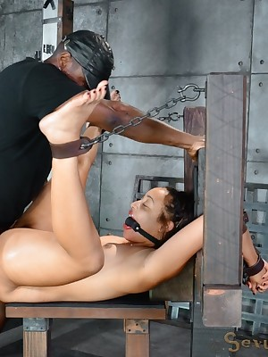 Sexually Wince | Spontaneous Bondage, Censorious Enslavement Sex, Dire Orgasms | Momentary spinner Tinslee Reagan belted adjacent to with an increment of fucked away from team a few beamy cocks