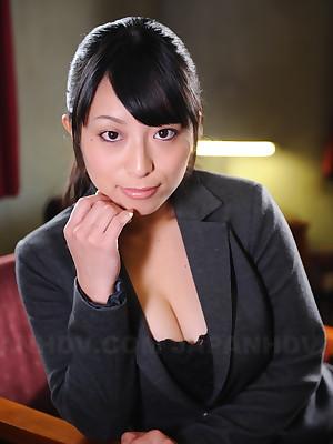 Off colour berth follower groupie Kana Aizawa shows wanting | Japan HDV