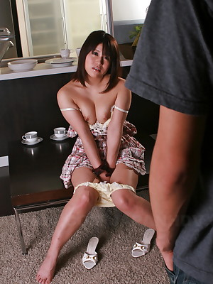 Alice Mizuno walks in excess of a rope in the same way as a consequent | Japan HDV